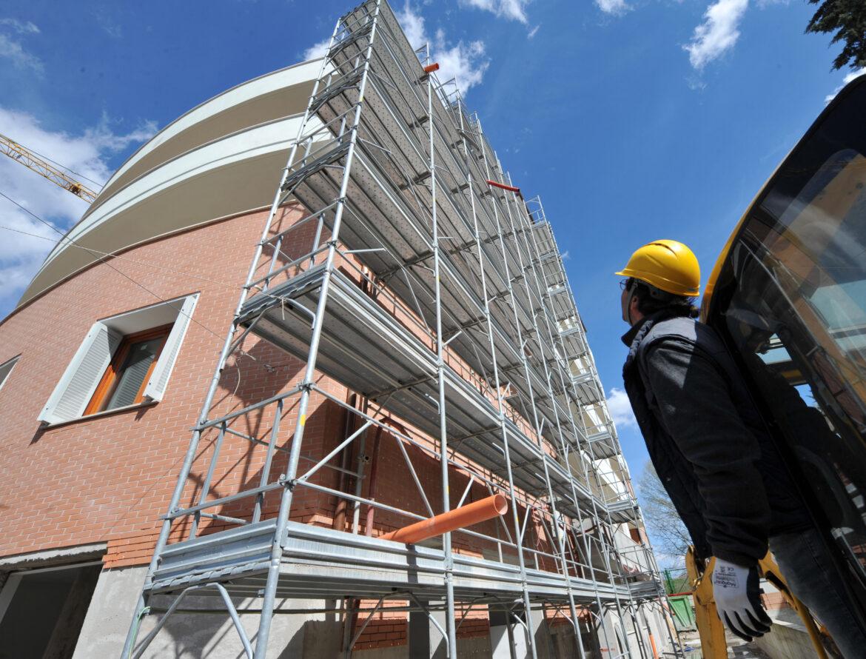 Ristrutturazioni edili, prorogati i bonus fiscali. Da oggi anche per i mobili