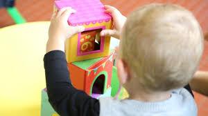 """Regione Marche: POR Marche FSE 2014-2020 ASSE I –  """"Voucher per l'acquisizione di servizi socio educativi per minori 3 – 36 mesi"""" A.E. 2019/2020 – scadenza 8 Luglio 2019"""