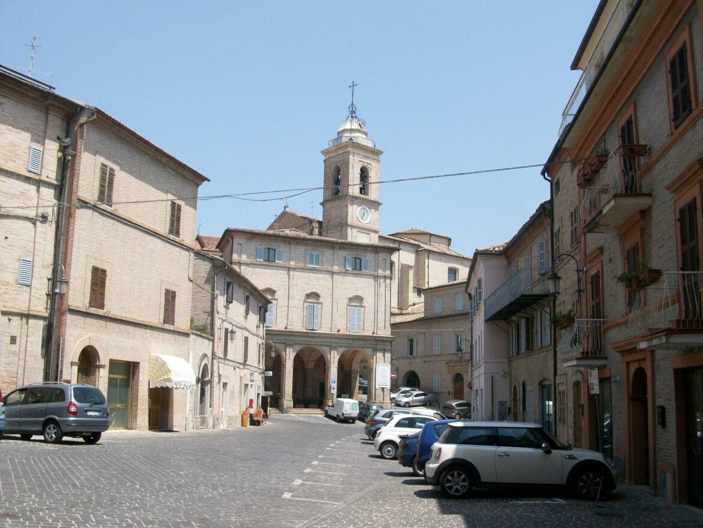 Comune di Monte San Giusto (MC) : Concorso pubblico, per titoli ed esami, per un magazziniere della farmacia comunale.